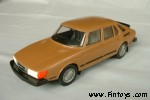 Saab_900_Combi_4D_v1_LightBrown_aS.jpg (5282 bytes)