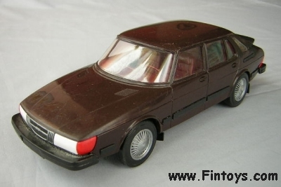 Saab_900_Combi_4D_v3_Dark_Brown_aN.jpg (60369 bytes)