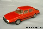 Saab_900_Sedan_4D_v4_Red_aS.jpg (5294 bytes)